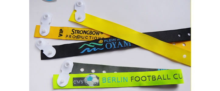 woven-wristband-vynil-1.jpg